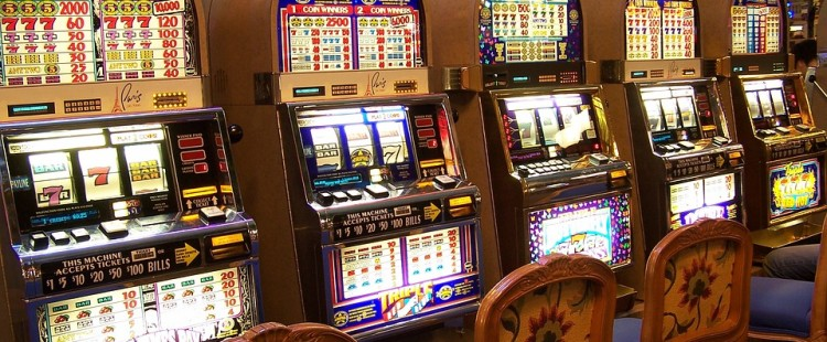 Tips for Playing And Trying To Win Online Slots